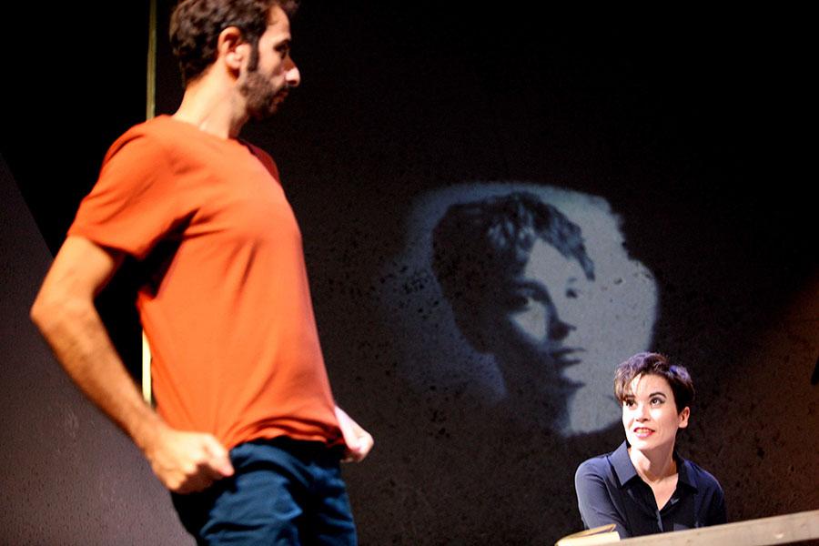 «Το Μικρό Πόνι»: η εναρκτήρια παραγωγή της θεατρικής ομάδας PERSONA για το φθινόπωρο με θέμα την οικογένεια, τη διαφορετικότητα και το σχολικό εκφοβισμό