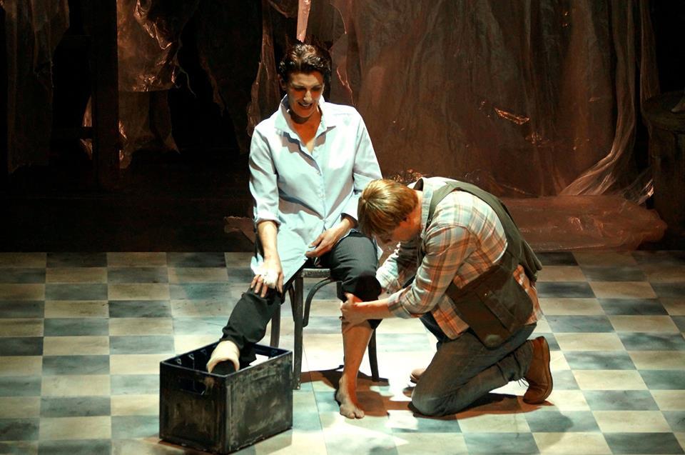Το Αίμα – Θέατρο Altera Pars, Κριτική της παράστασης από την Κάτια Σωτηρίου. Φωτο αποκλειστικά για το Mytheatro: Ελπίδα Μουμουλίδου