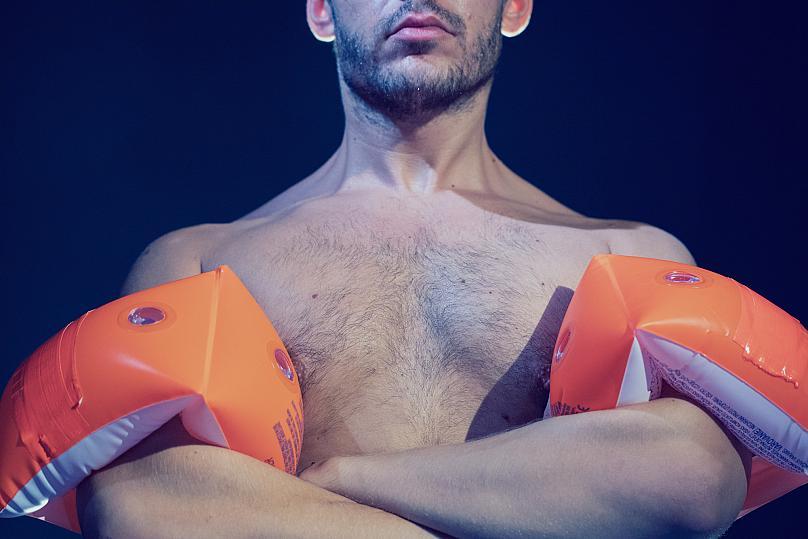 Είδαμε την παράσταση «Η Αρχή του Αρχιμήδη» στο Skrow Theater Κριτική του Νίκου Ρουμπή στο Debop.gr