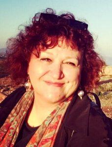 Μαρία Χατζηεμμανουήλ: Μην προλάβουμε να φαγωθούμε μεταξύ μας πριν μας φάει ο εστεμμένος…